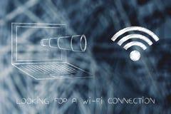 Monokel, das aus den Laptopschirm analysiert ein Wi-Fisymbol herauskommt Stockbilder