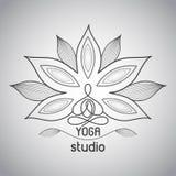 Monokrom linje logo för yoga Royaltyfria Foton