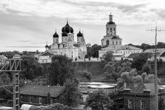 monokromen avbildar Helig Bogolyubovo kloster i den soliga sommardagen, Vladimir region, Ryssland Fotografering för Bildbyråer