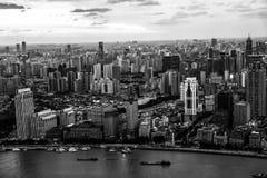 Monokromma Shanghai royaltyfria bilder