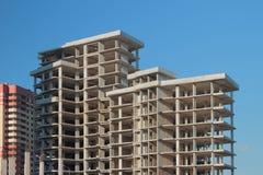 Monolithischer Rahmen des mehrstöckigen Gebäudes Lizenzfreies Stockfoto
