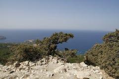 从monolithos城堡的风景视图 库存照片