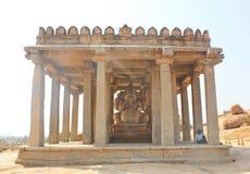 Monolitisk staty av Lord Ganesh, Hampi, Indien Arkivfoto