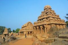 monolitiskt vagga snittet fem Rathas på Mahabalipuram, Indien Royaltyfria Bilder