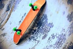 Monopatín en el skatepark Foto de archivo
