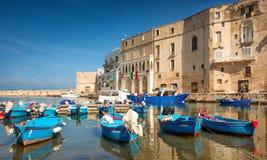 Monopoli-Hafen und Boote, Puglia, Italien Lizenzfreie Stockfotografie