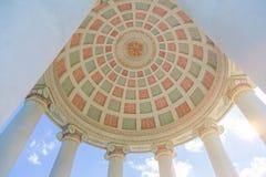 Monopteros tempel i den engelska trädgården, Munich Bayern, Tyskland Royaltyfri Bild