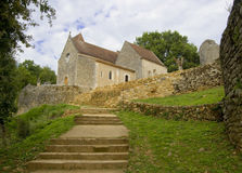 MONPAZIER FRANKRIKE - SEPTEMBER 10, 2015: Huvudsaklig fyrkant i bastiden av Monpazier, Aquitaine, Dordogne, Frankrike, September  Arkivfoto
