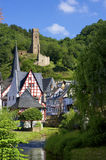 Monreal historique avec son château Images stock