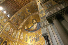 Monreale den forntida norman domkyrkan Arkivbilder