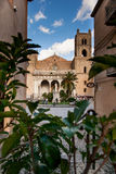 MONREALE ITÁLIA - 13 de outubro de 2009: A catedral de Monreale construída Fotografia de Stock