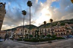 Monreale, Itália, Sicília 20 de agosto de 2015 Vittorio Emanuele quadrado imagem de stock