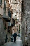 MONREALE ITALIEN - Oktober 13, 2009: Den byggda Monreale domkyrkan Royaltyfri Bild