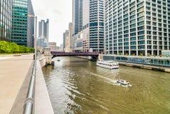 Monroe Adams Street Bridge en Chicago fotografía de archivo libre de regalías