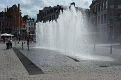 MONS, BELGIEN 28. Juli 2016: Brunnen stockfotografie