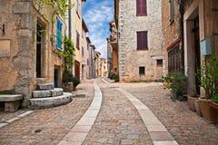 Mons, Var, Провансаль, Франция: городской пейзаж старой деревни стоковые изображения