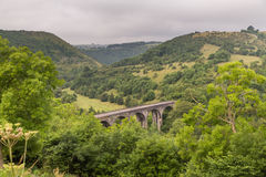 From Monsal Head, the Monsal Trail passes over Headstone Viaduct Stock Images