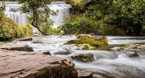 Monsal vattenfall royaltyfri fotografi