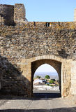 Monsaraz中世纪城堡内部、墙壁和门,旅行葡萄牙 库存照片