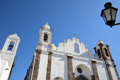 MONSARAZ, ПОРТУГАЛИЯ: Церковь Santa Maria da Lagoa Стоковая Фотография