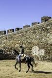 MONSARAZ - 6. APRIL: Pferdetraining in Alentejo-Stadt von Monsaraz Lizenzfreies Stockbild