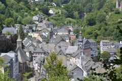 Monschau bonito em Alemanha com casa vermelha Foto de Stock Royalty Free