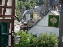 Monschau, impressão da vila de Alemanha do centro fotografia de stock royalty free