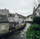 Monschau miasteczko w Niemcy Piękny stary i dziejowy miasteczko zdjęcia royalty free