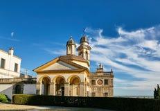 Monselice, Italië - Juli 13, 2017: Mening van Villa Dudo en de Kerk van St George Royalty-vrije Stock Afbeeldingen