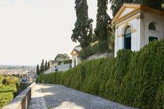 Monselice, Italië - Juli 13, 2017: Villa Dudo Complex van zeven kerken Stock Foto