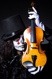 Monster playing violin Royalty Free Stock Photos