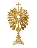 Monstrance старого золота на белой предпосылке стоковые изображения rf