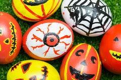 Monstres fous d'oeufs pour Halloween de fête Photo stock