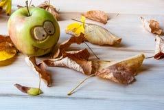 Monstres rampants et drôles des pommes Photo libre de droits
