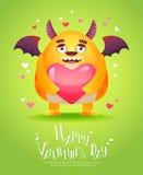 Monstro dos desenhos animados com um cartão do Valentim do coração Fotografia de Stock