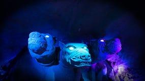Monstruos de la gruta en ultravioleta