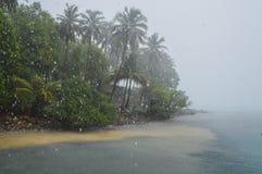 Monsun schlug eine Insel lizenzfreie stockbilder