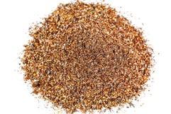 Montão da areia do ouro no branco imagens de stock royalty free
