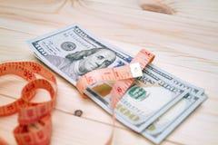 Montão da medida do dinheiro fotos de stock