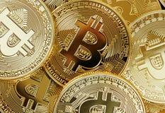 Montão de Bitcoin dourado foto de stock royalty free