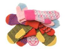 Montão de mittens multicoloured de lãs Fotografia de Stock Royalty Free