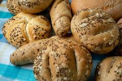 Montão de vários rolos de pão foto de stock royalty free