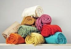 Montão dos cobertores fotos de stock royalty free