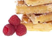 Montão dos waffles com framboesas Fotografia de Stock