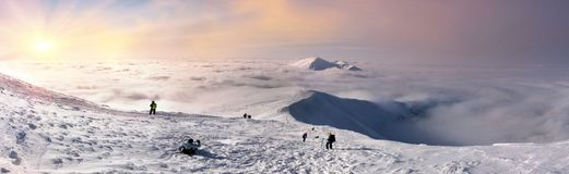 Montée à Hoverla en hiver Photos libres de droits