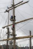 Montée du mât d'un bateau grand Photos libres de droits