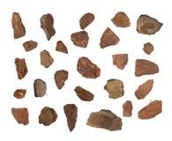 Montón de la corteza de árbol de pino Chip Isolated Foto de archivo libre de regalías