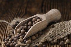 Montón de la pimienta inglesa (foco selectivo) foto de archivo libre de regalías