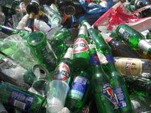 Montón de las botellas vacías 2 fotos de archivo libres de regalías