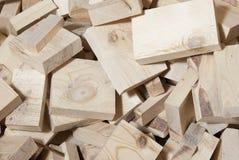 Montón de los cortes de madera de pino Foto de archivo libre de regalías